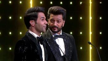 Filmfare Awards (2021) 1080p WEB-DL x 264 AAC-DUS Exclusive