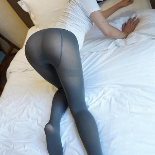 Japanese pantyhose feet
