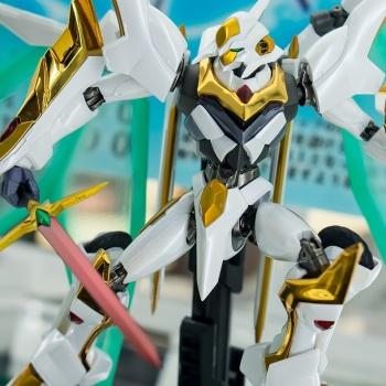 "Gundam : Code Geass - Metal Robot Side KMF ""The Robot Spirits"" (Bandai) - Page 2 GFdxe2WZ_t"