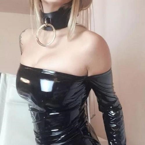 Latex femdom handjob