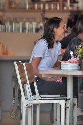 Natalie Portman - Out for lunch in Los Feliz 5/15/18