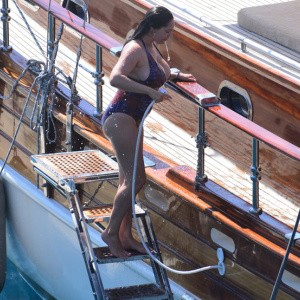 Kelly Brook showed off her stunning body during her vacation in Turkey 2019