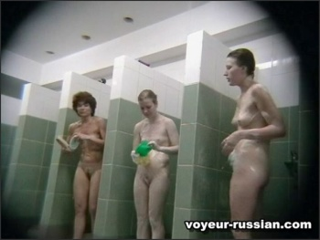 voyeur-russian_SHOWERROOM 080219