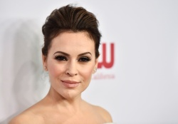 Alyssa Milano - ACLU's Annual Bill of Rights Dinner in Beverly Hills 11/11/18