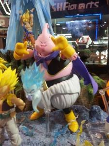 Dragon Ball - S.H. Figuarts (Bandai) XQpIyBxY_t
