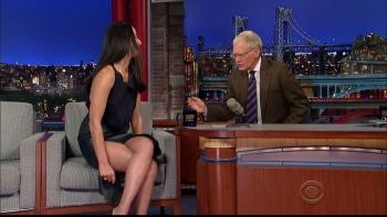 OLIVIA MUNN - *thigh show spectacular* - letterman - Dec 10, 2014 IpZ6cQxY_t