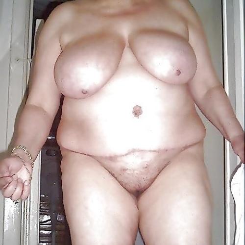 Fat arab mature woman