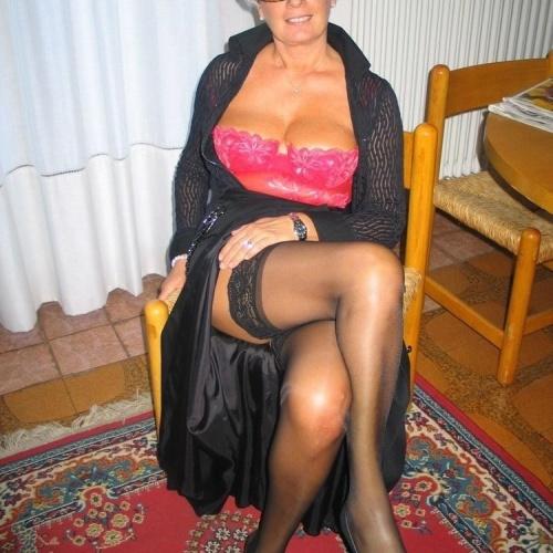 Amateur granny stockings pics