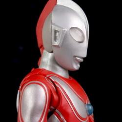 Ultraman (S.H. Figuarts / Bandai) - Page 5 CR4WRD0U_t