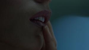 Angela Sarafyan / Evan Rachel Wood / Westworld S01Ep01 / topless / (US 2016) HejKrzmu_t