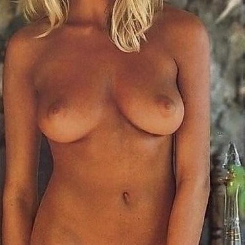 Beautiful natural naked women