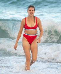 Genie Bouchard - Red Bikini on the beach in Miami 11/12/2018