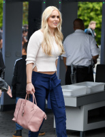 """Lindsey Vonn -           """"Extra"""" Set Los Angeles March 7th 2018."""