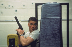 Внезапная смерть / Sudden Death; Жан-Клод Ван Дамм (Jean-Claude Van Damme), 1995 OqJlUV0t_t