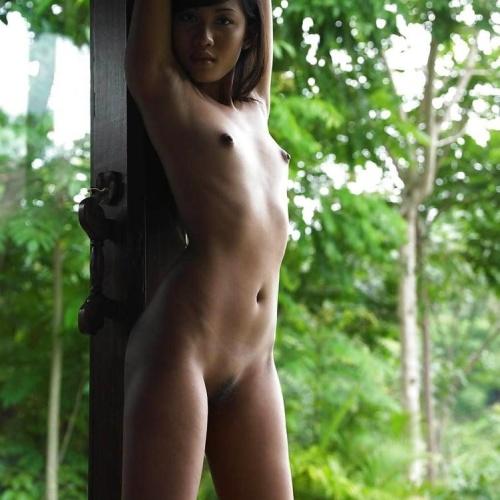 Beautiful thai girls naked