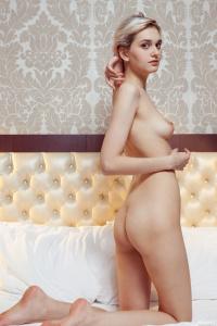 Vilett - Nude Lines
