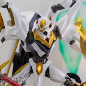 "Gundam : Code Geass - Metal Robot Side KMF ""The Robot Spirits"" (Bandai) - Page 2 ACSIVph9_t"