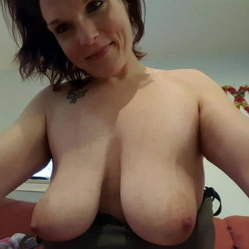 Big natural tits with big areolas
