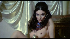 Patrizia Webley / Cha Landres / others / Le calde notti di Caligola / nude / (IT 1977) XQYAKkdZ_t