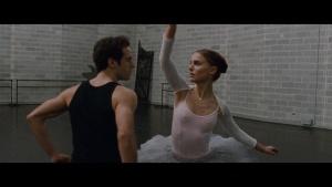 Natalie Portman / Mila Kunis / Black Swan / lesbi / sex / (US 2010) 0iwharwk_t