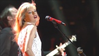 Taylor Swift - Red & Highway Don't Care - 2013 CMA Music Festival - 720p