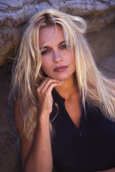 Памела Андерсон (Pamela Anderson) Barry King Photoshoot 1992 (4xHQ) EAFKVXDV_t