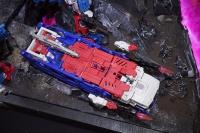 Jouets Transformers Generations: Nouveautés Hasbro - Page 24 ReiW4nJB_t