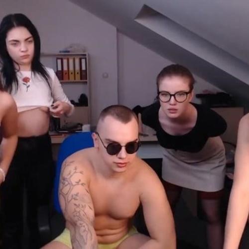 Live nude cam girls