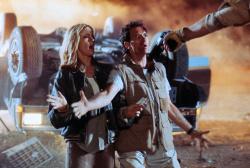 Универсальный солдат / Universal Soldier; Жан-Клод Ван Дамм (Jean-Claude Van Damme), Дольф Лундгрен (Dolph Lundgren), 1992 - Страница 2 ExYMLvbg_t