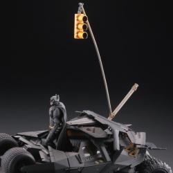 Batman : Batmobile Tumbler in Gotham City figure - Legacy of Revoltech (Revoltech) KkouLJpM_t