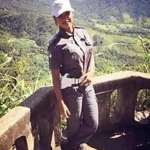 Female cop costume diy