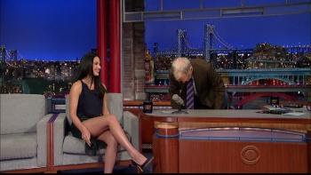 OLIVIA MUNN - *thigh show spectacular* - letterman - Dec 10, 2014 h3HbsagW_t