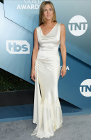 Jennifer Aniston IxTi9Q4k_t