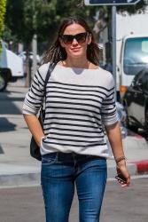 Jennifer Garner - Out in Beverly Hills 9/28/2018 HVcNCoEl_t