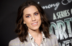 Allison Williams A series of unforutunate events 94