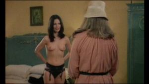 Gloria Guida / others / La liceale seduce i professori / nude / topless / (IT 1979) 0JQeeWDm_t