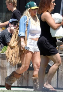 Jessica Simpson - Out and About Candids in LA (5/31/18)