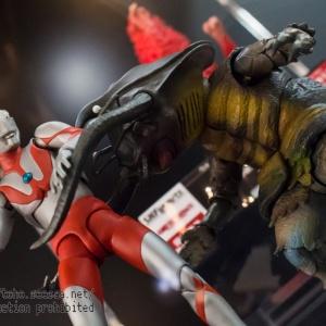 Ultraman (S.H. Figuarts / Bandai) - Page 4 Hc32E5g0_t