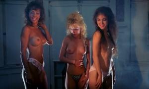 Michelle Bauer, Linnea Quigley, Brinke Stevens  - Nightmare Sisters (1988)
