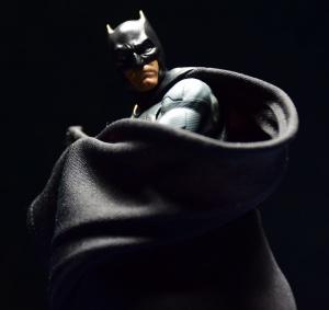 [Comentários] DC Comics S.H. Figuarts O4uywa0M_t
