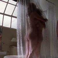 Angelina Jolie, Elizabeth Mitchell – Gia (1998)