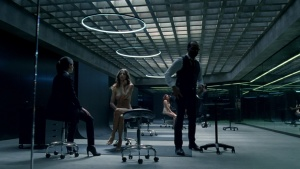 Angela Sarafyan / Evan Rachel Wood / Westworld S01Ep01 / topless / (US 2016) VgeMLU8A_t