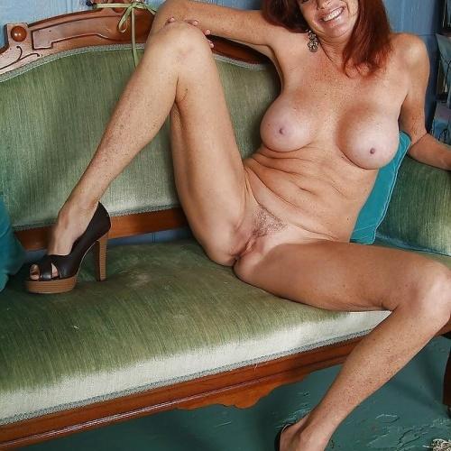 Naked hot feet
