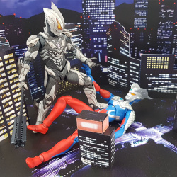 Ultraman (S.H. Figuarts / Bandai) - Page 7 HhIMrkyX_t