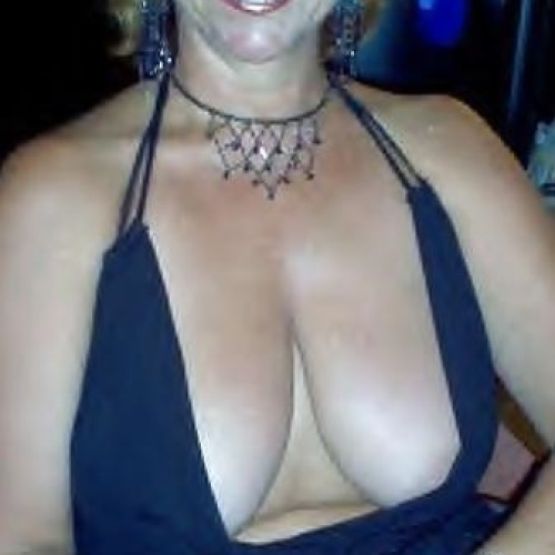 Thick busty milfs nude