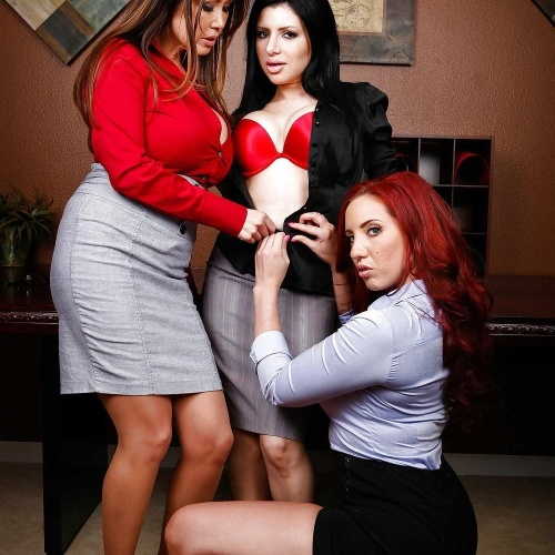 Bbw busty threesome