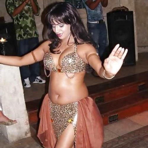 Arab girl sexy dance