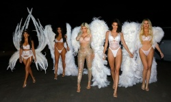 Kim Kardashian, Kourtney Kardashian, Khloe Kardashian, Kendall Jenner, and Kylie Jenner Dressed as Victoria's Secret Angels in Los Angeles - 10/31/18