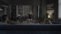 Carrie-Anne Moss - Jessica Jones Season 2 (upskirt/lesbian/sideboob) 2160p HDR