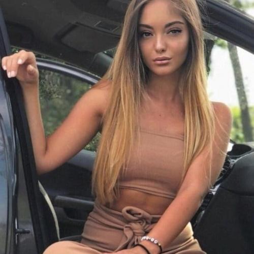 Skinny brunette porn